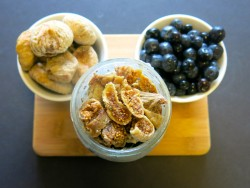 Blueberry and Fig Overnight Oatmeal