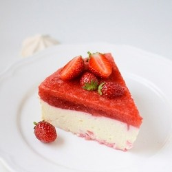 Cheesecake with Meringues and Strawberry Mousse Recipe