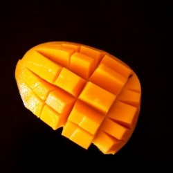 How to Cut a Mango: A Photo Guice
