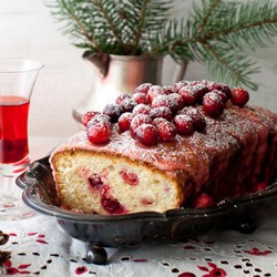 Lemon Cake with Cranberries