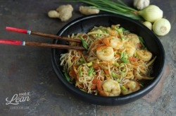 Paleo chow mein with shrimps