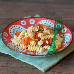 Pasta with tomato and scallops