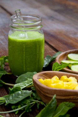 Pineapple Cucumber Mint Smoothie