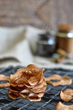 Spiced Baked Apple Chips