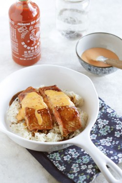 Teriyaki Salmon with Sriracha Sauce