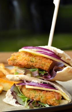 Veggie Pitta Burger