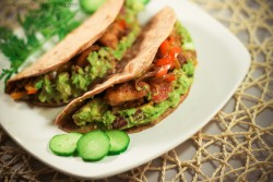 Whole Wheat Tortillas with Chicken and Guacamole