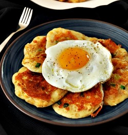 Cornflakes Pancakes with Egg