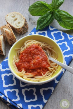 Fast and Fresh Tomato Sauce