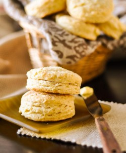 Flaky Southern Buttermilk Biscuits