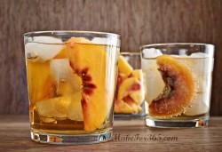 Peach Ginger Crisp Cocktail
