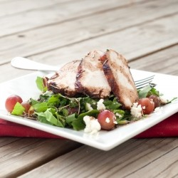 Pomegranate Chicken with Spinach and Berries Recipe