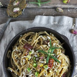 Spaghetti with Pistachio Pesto