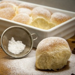 Sweet Buns with Curd Filling
