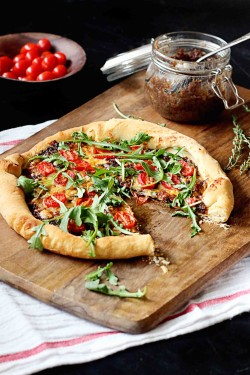 Bacon Jam Pizza