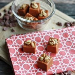 Cinnamon Roll Fudge Recipe