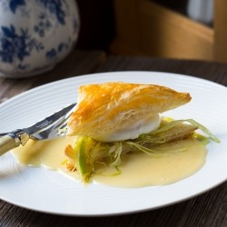 Poached Eggs with Julienned Leeks Recipe