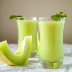 Sweet Honeydew and Mint Smoothie Recipe
