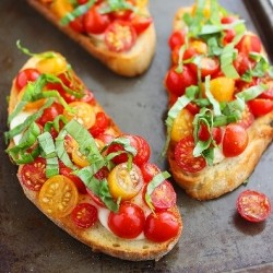 Warm Tomato and Mozzarella Bruschetta Recipe