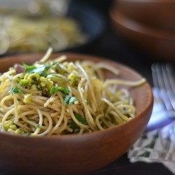 Spaghetti with Pistachio Pesto Recipe