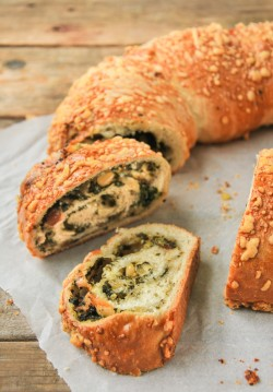 Spinach Manchego Filled Crown Bread Recipe
