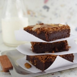 Almond Brownies with Amaretti