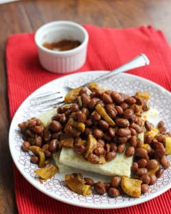 Black Eyed Peas and Grit Cakes Recipe