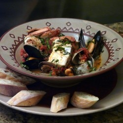 Cioppino Recipe with Crabn Halibut Mussels and Clams