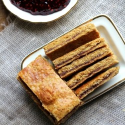 Gluten Free Raspberry Linzer Bars Recipe