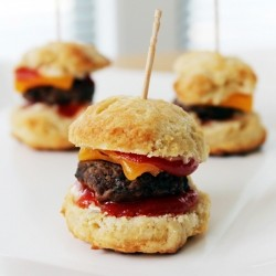 One-Bite Mini Cheeseburger Sliders