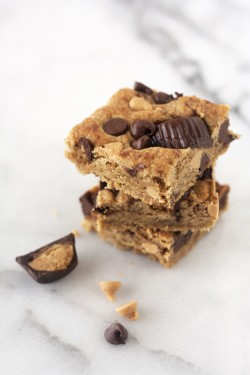 Triple Peanut Butter Blondies Recipe