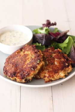 Crab Cakes with Lemon Herb Sauce Recipe