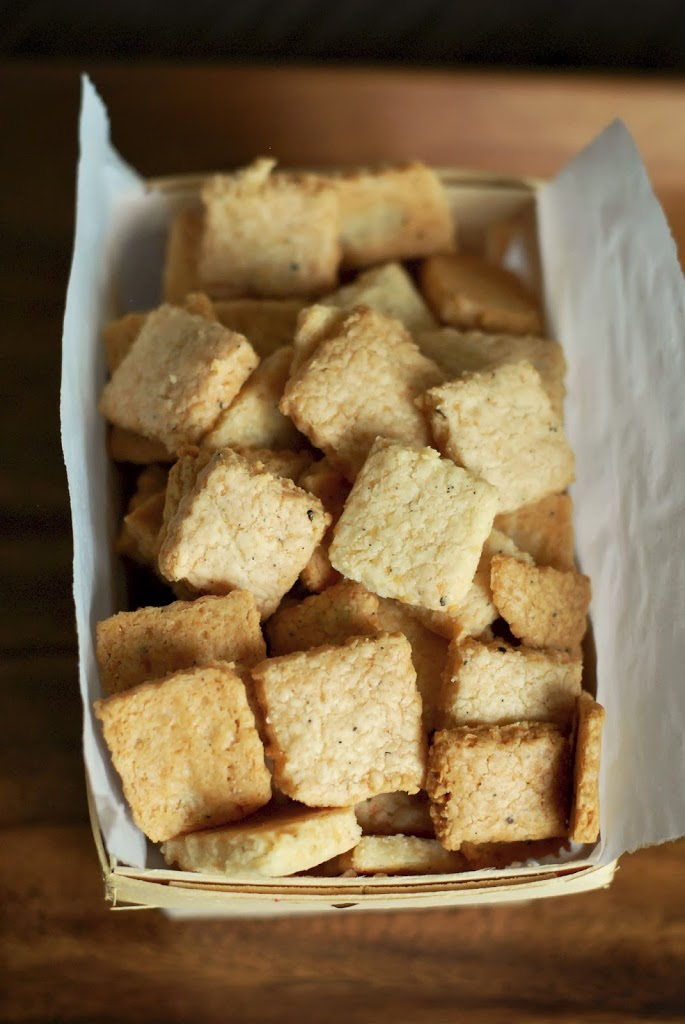 Grain Free Parmesan Peppercorn Crackers Recipe