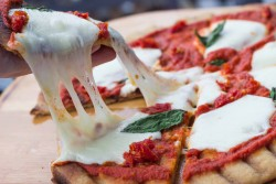 Grilled Pizza and Simple Homemade Tomato Sauce Recipes