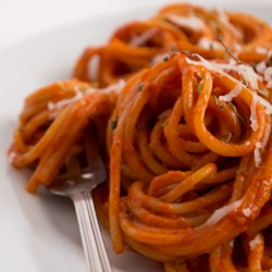 Spaghetti with Tomatoes and Red Pepper Recipe