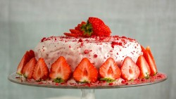 Sugar Free Strawberries and Cream Frosting