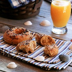 Homemade Whole Grain Bagels
