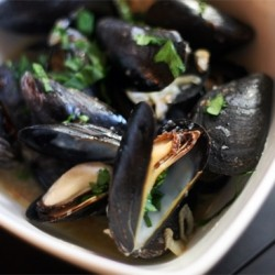 Mussels Steamed in White Wine