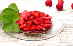 Vanilla Strawberry Raw Cake Recipe