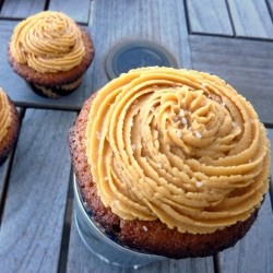 Browned Butter Deulce de Leche Cupcakes