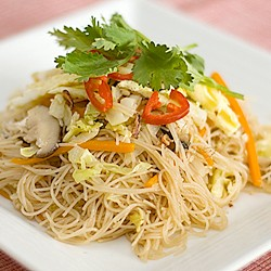 Fried Rice Vermicelli with Stewed Pork
