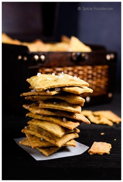Garlic Rosemary and Turmeric Vegan Crackers Recipe