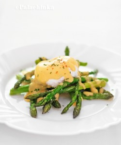Roasted Asparagus Poached Eggs and Hollandaise Sauce