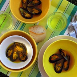 Steamed Mussels with Saffron and Mustard