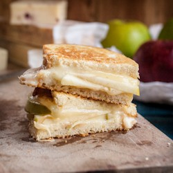 Apple Dijon and Cheddar Grilled Cheese Recipe