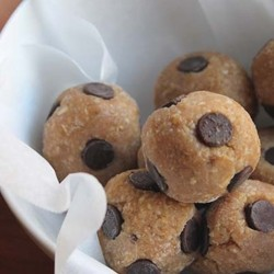 Cashew Oat Protein Bites with Peanut Butter Bananas Vanilla Agave Recipe
