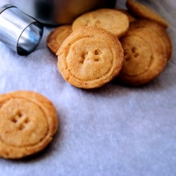 Cheddar Cheese Cracker Buttons