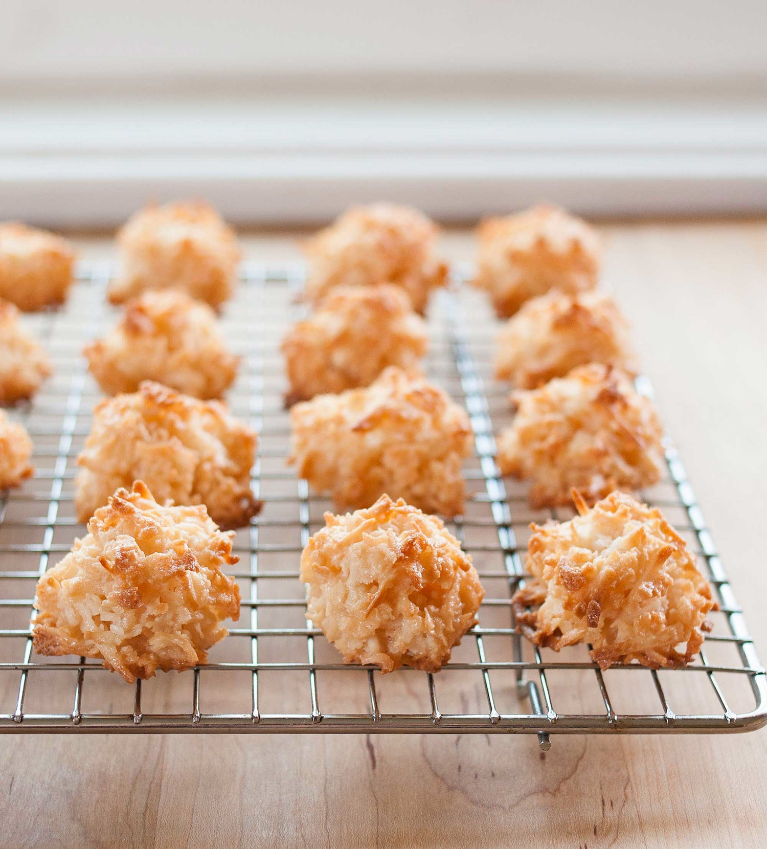How to Make Easy Coconut Macaroons