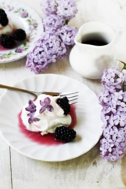 Lilac Blackberry Pavlova Recipe
