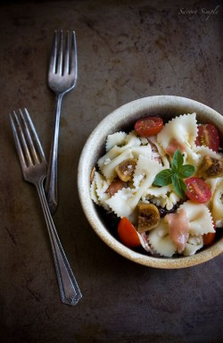 Pasta Salad with Prosciutto and Figs